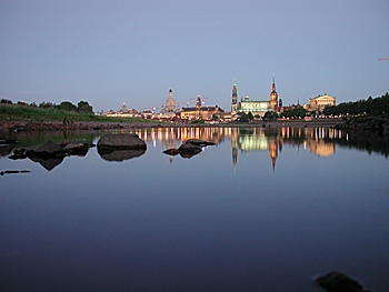 Panorama Dresden mit Elbe